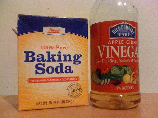 Baking In The Bathroom Baking Soda And Vinegar